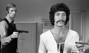 Peter Wyngarde, right, as Jason King.