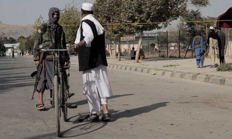 Taliban fighter apprehends cyclist