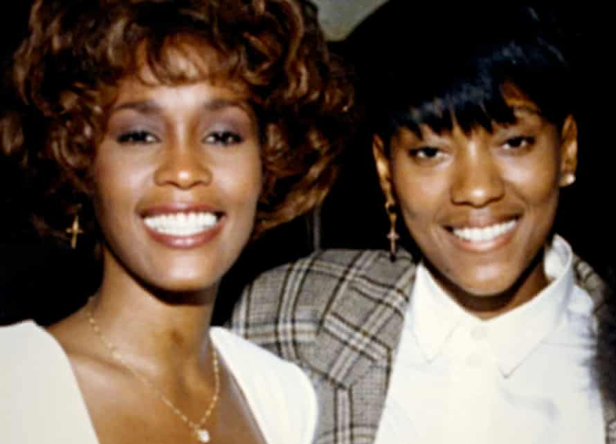 Whitney Houston and Robyn Crawford (archive footage) in a scene from the promo for the ©Miramax new documentary : Whitney (2018).