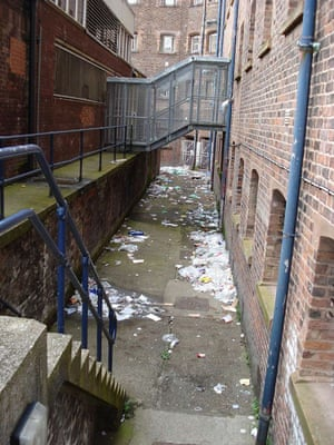 litter at Liverpool prison