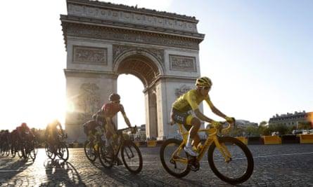 Colombia's Egan Bernal rides past the Arc de Triomphe on Sunday.