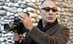 Abbas Kiarostami leading a course in Nice, France, in 2007.