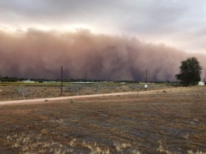 Mildura residents said the dust storm looked like a thick wall