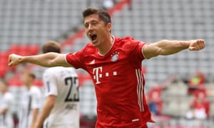 Robert Lewandowski scored 34 goals in 34 league games.