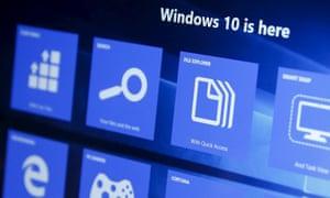 Microsoft starts downloading Windows 10 automatically through