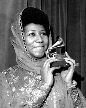 Franklin with one of her 20 Grammy awards in March 1975.