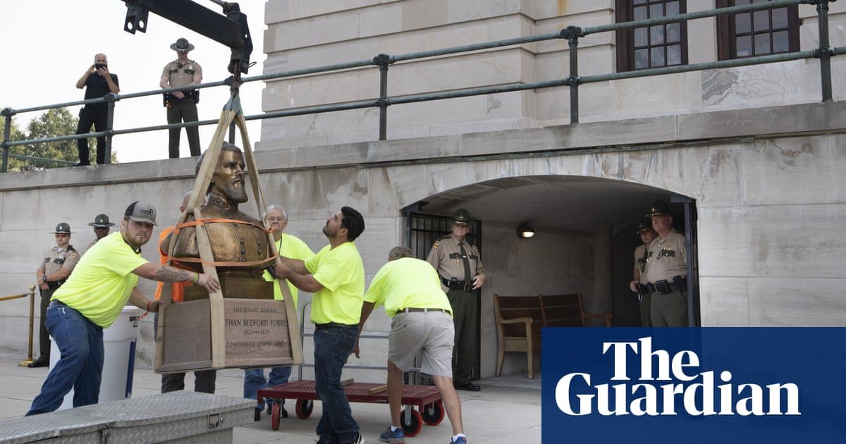 Bust of Klan leader is removed from Tennessee state capitol after decades