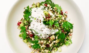 Serve it on its own or with hummus and flatbread: puffed rice with redcurrants and cucumber.