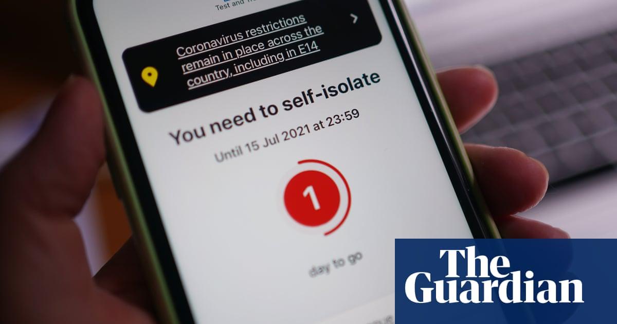 Number of NHS Covid app 'pings' falls by 43% in a week