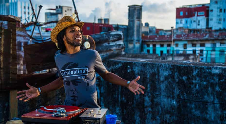 Havana-based designer Idania del Río's fashion label Clandestina is the first Cuban brand to sell online.