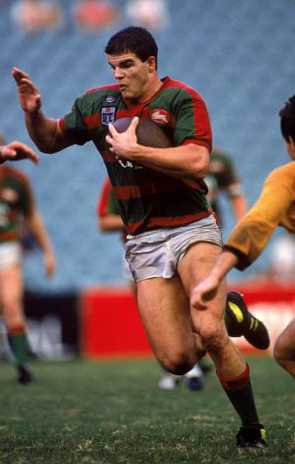 Roberts in action for the Rabbitohs during a NSWRL match against the Balmain Tigers in 1989.