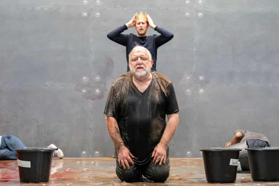 Simon Russell Beale and Leo Bill in The Tragedy of King Richard the Second at the Almeida.