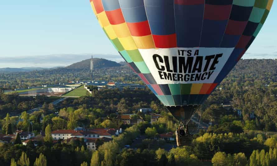 The Greens' hot air balloon flies over Canberra