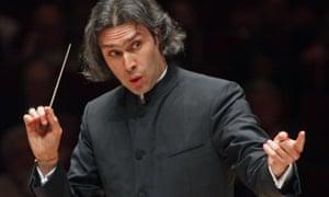 Vladimir Jurowski conducts the London Philharmonic Orchestra.