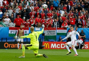 Stieber chips over to score the second for Hungary.