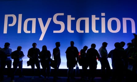 Gamers wait in line to enter Sony Playstation booth during the annual E3 2016 gaming conference.