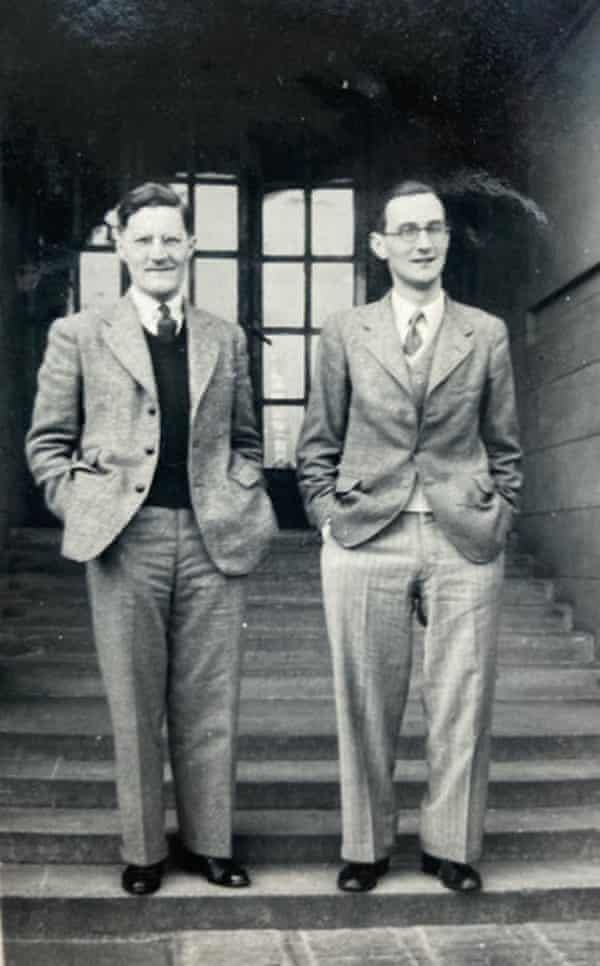 Tony Waterson (left) and his brother Trevor (right) at Midhurst sanitorium for tuberculosis suffers.