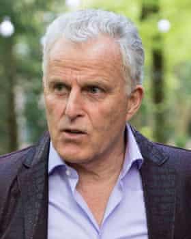 Peter de Vries.