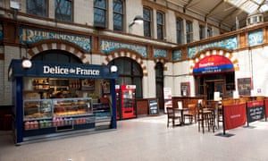Food options at Manchester Victoria station.