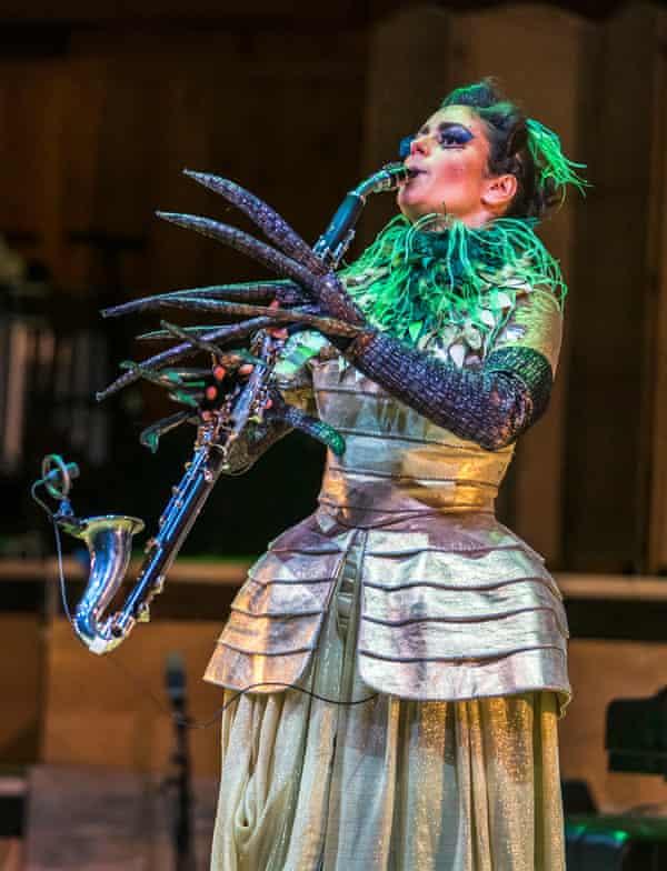 Fabulous … Iris Zerdoud on basset horn.