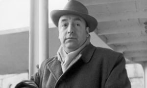 Travelling light … Neruda leaving Italy in 1952.