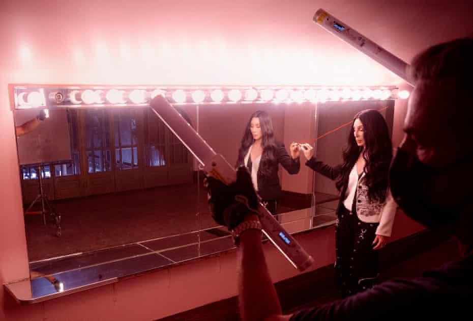 Preparing a shot of Cher.