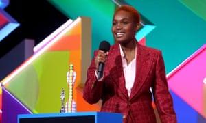 Arlo Parks picks up her breakthrough artist award.