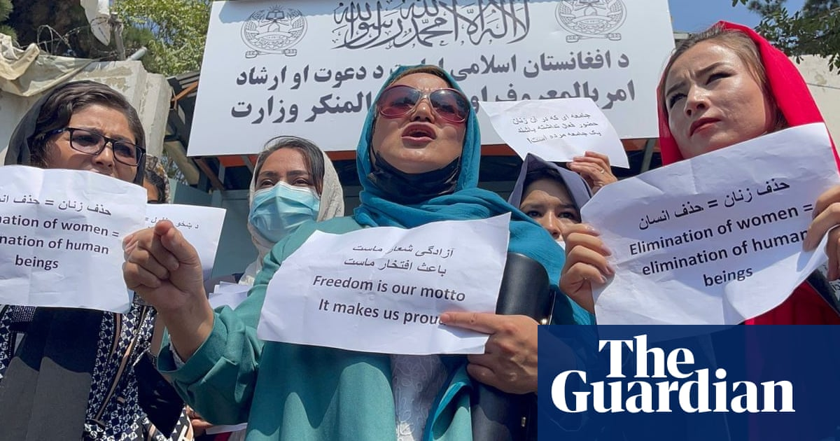 Afghan women stage protest in Kabul after Taliban crack down on women's rights – video report