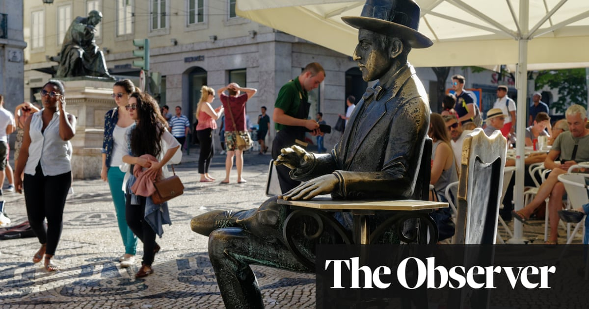 Pessoa: An Experimental Life review – a portrait with bags of personality