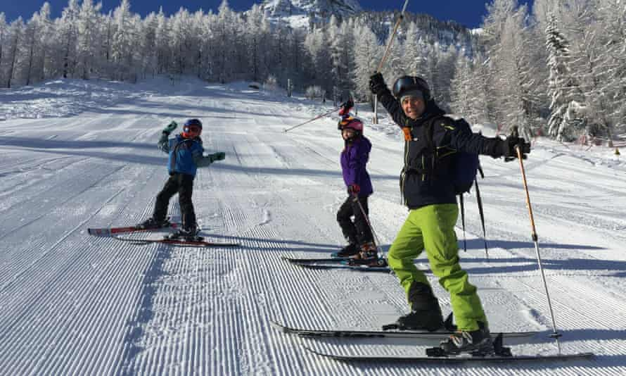 Source Holidays ski, yoga and circus camp in Vallorcine, France