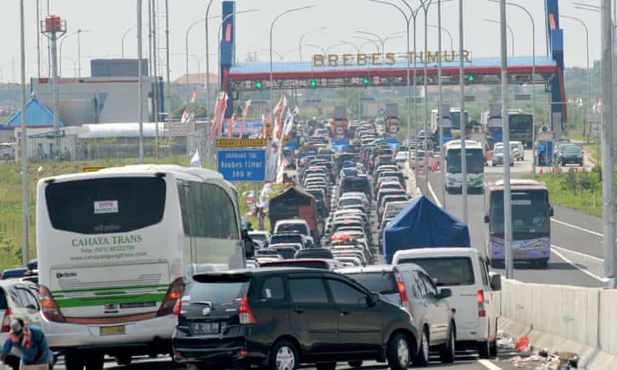 Traffic in Brebes, Indonesia