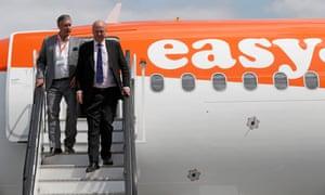 The easyJet chief executive, Johan Lundgren, and the transport secretary, Chris Grayling