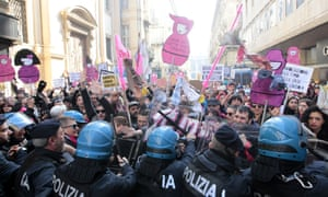 Protesters clash with police in Turin, Italy