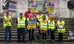 HMRC cleaners picketing in Liverpool