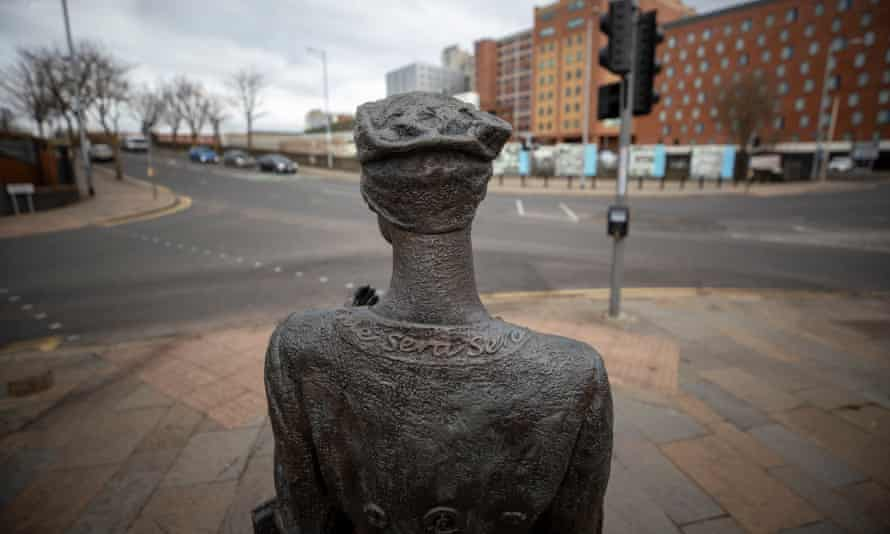 Mother Daughter Sister sculpture by Ross Wilson in Belfast