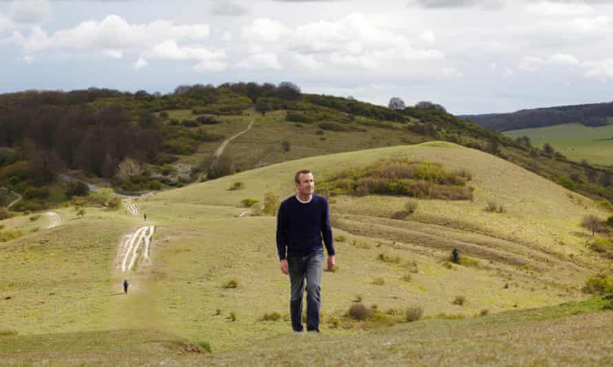 Author Robert MacFarlane in 2012