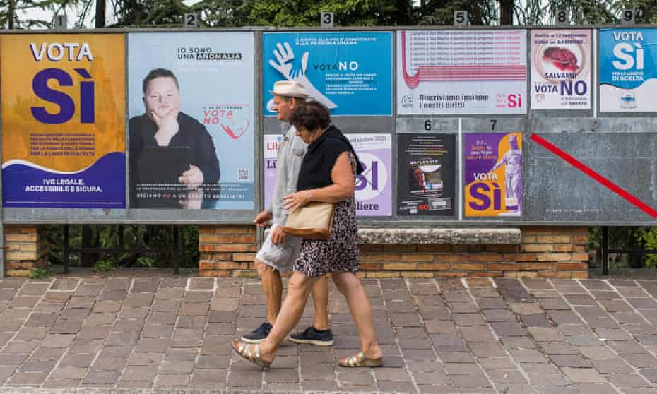 Ccampaign posters in San Marino ahead of the republic's 26 September referendum on the legalisation of abortion.