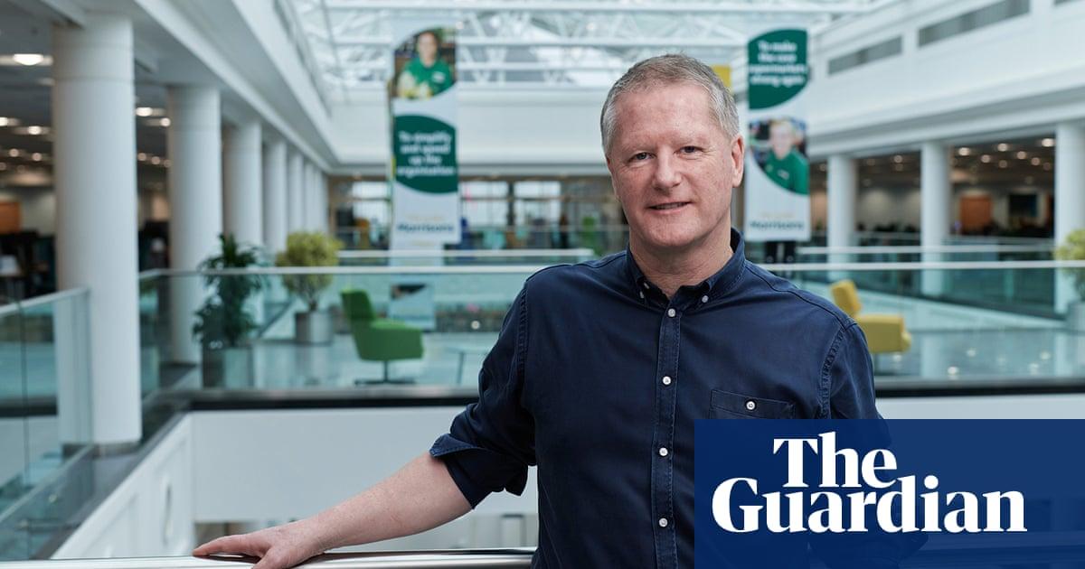 Morrisons shareholders reject executive bonuses amid falling profits
