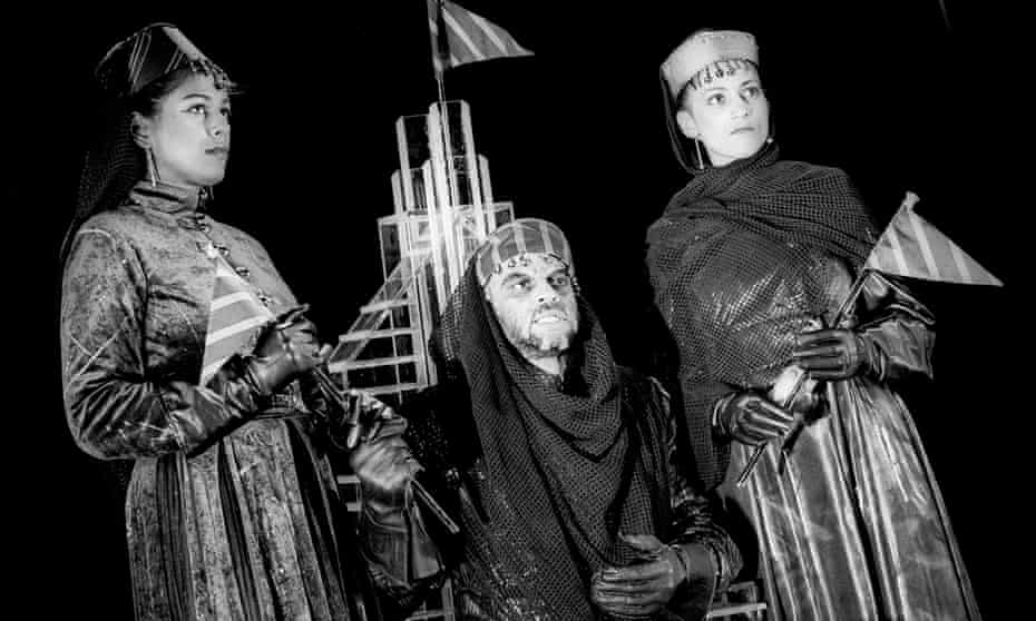 Lolita Chakrabarti (Goneril), Ben Thomas (King Lear) and Cathy Tyson (Regan) in King Lear, a Talawa production directed by Yvonne Brewster in 1994.