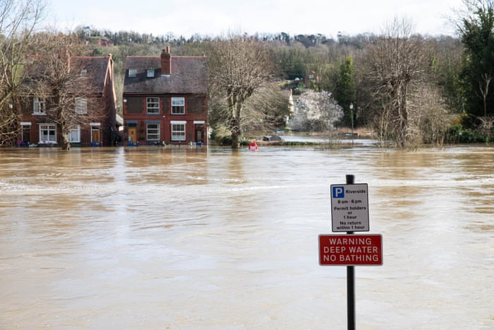More Misery To Come After Severn Flood Defences Breached Uk News The Guardian