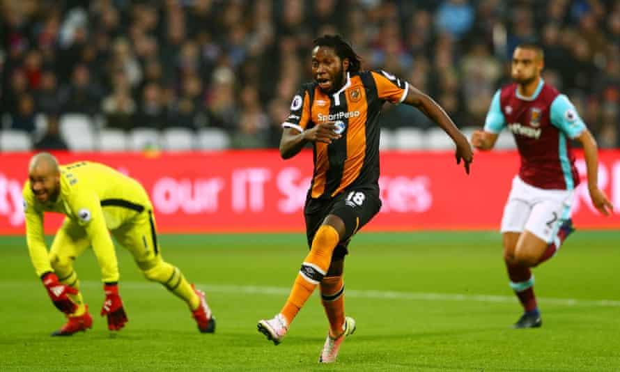 Hull's Dieumerci Mbokani sees a golden opportunity go begging.