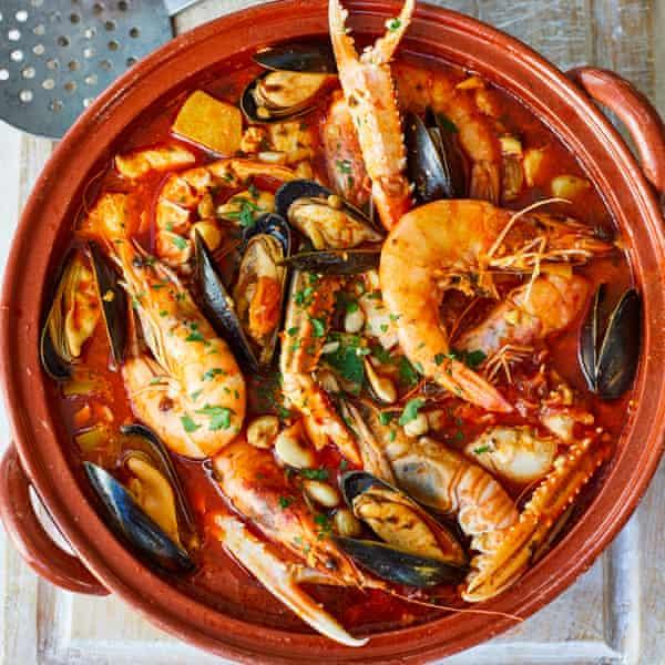Caldereta de pescado y marisco, a fishy treat from Michelin-starred chef Nieves Barragán Mohacho.