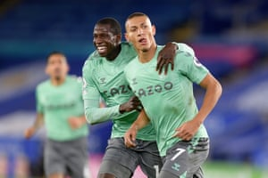 Richarlison of Everton celebrates his goal with Abdoulaye Doucoure.