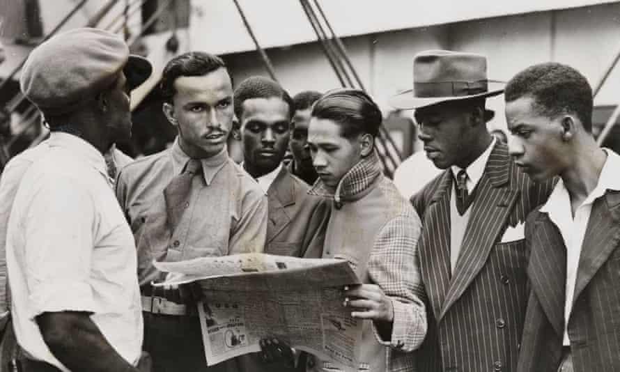 Passengers waiting to disembark from the Empire Windrush, June 1948.