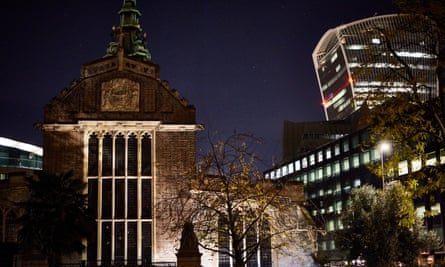 All Hallows Church, with the 'Walkie-Talkie' skyscraper behind.