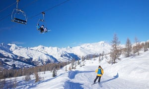 Vallandry chairlift with La Foret blue piste and Mont Blanc behind