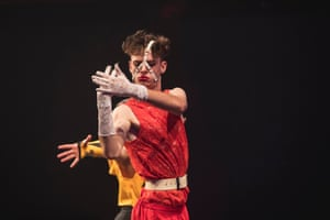 Jake Edwards competes in Hand Performance at Sissy Ball.