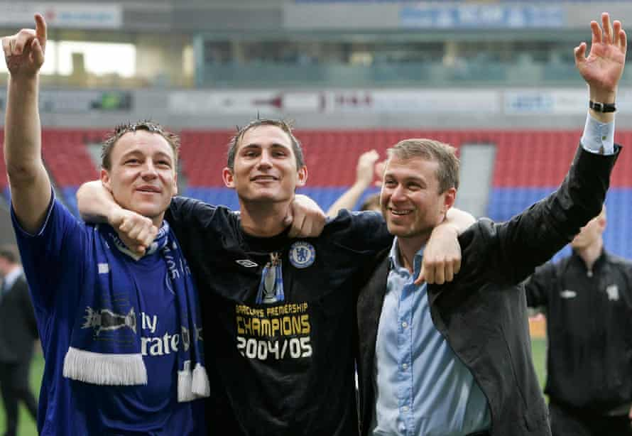 Lampard with JohnTerry and Roman Abramovich after Chelsea's title triumph in 2004-05.
