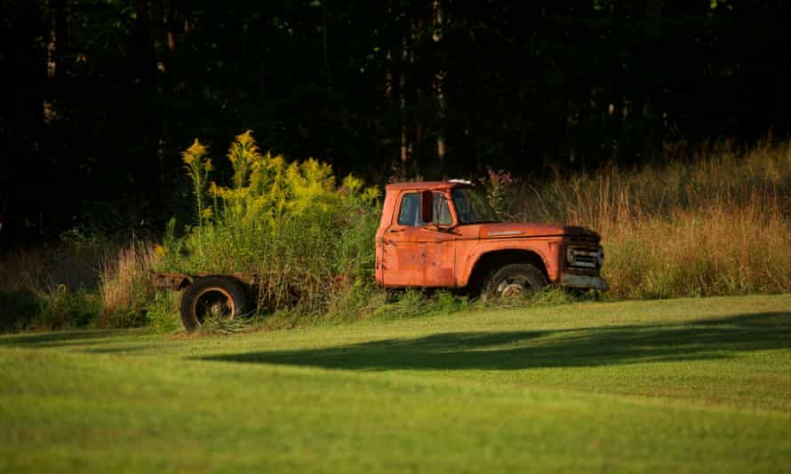 Abandoned truck in Beattyville