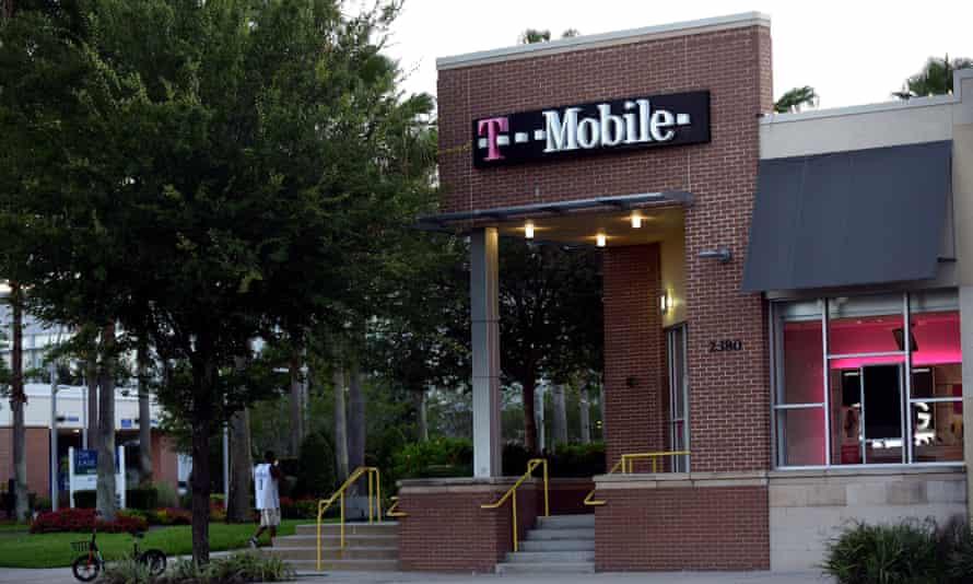 Telecom companies lobby against stalker protection bill